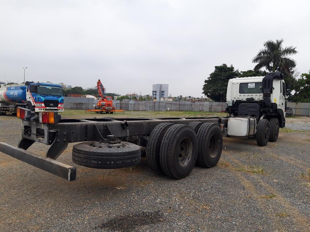 Ảnh xe tải hyundai 4 chân hd320 19 tấn chassis
