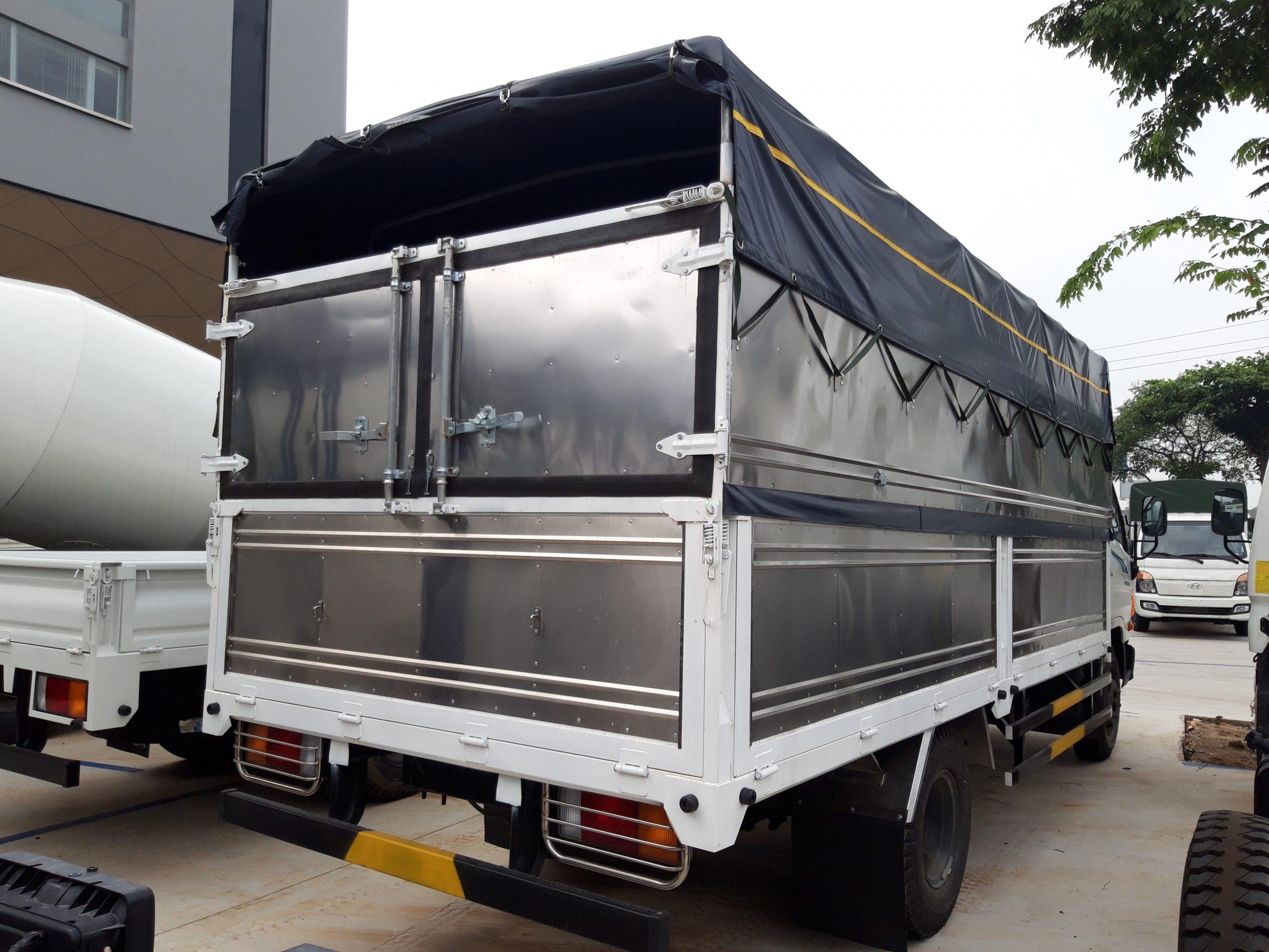 Xe tải hyundai 110sp 7 tấn thùng mui bạt